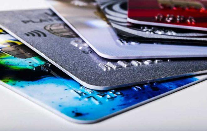 Understanding differences between credit cards and debit cards