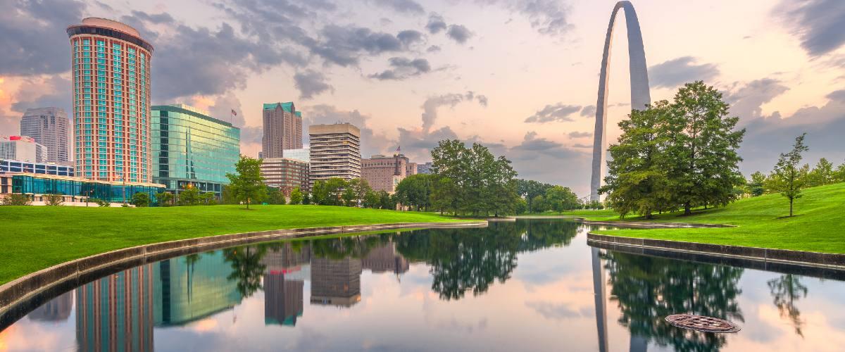 bigstock St Louis Missouri USA city 282180055 1